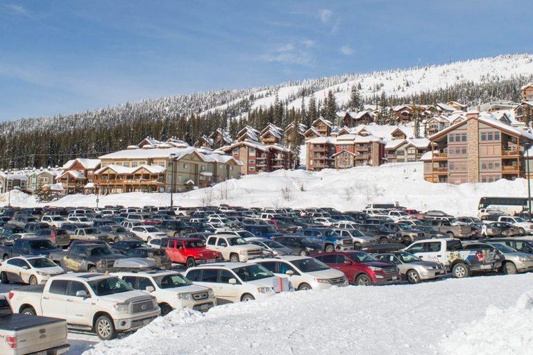 Parking Big White (1)