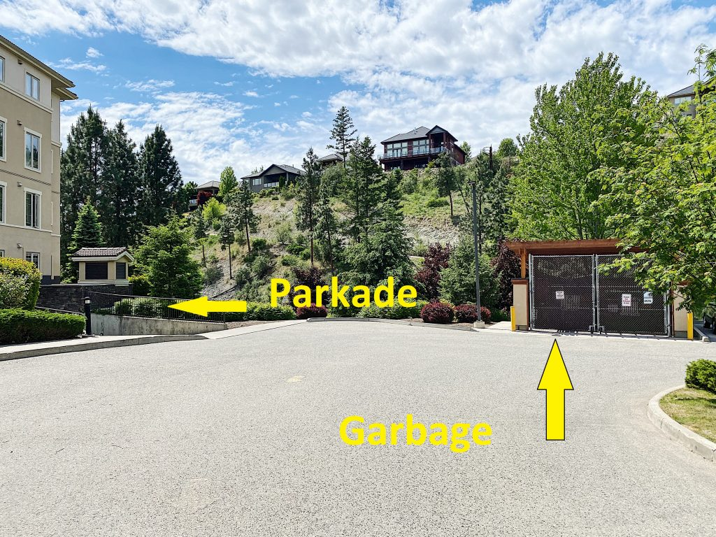 Pinnacle Pointe Garbage and Parking Locations